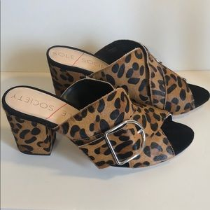 New Sole Society Leopard Print mules